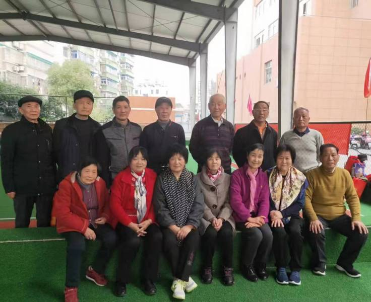 浙江-杭州市富阳区经信局召开局门球队员会议